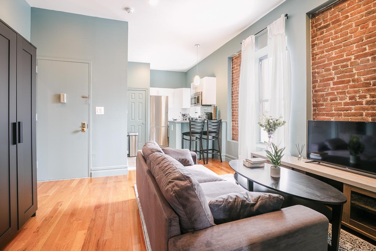 image 6 Furnished room to rent in Upper West Side, Manhattan 3 bedroom Apartment