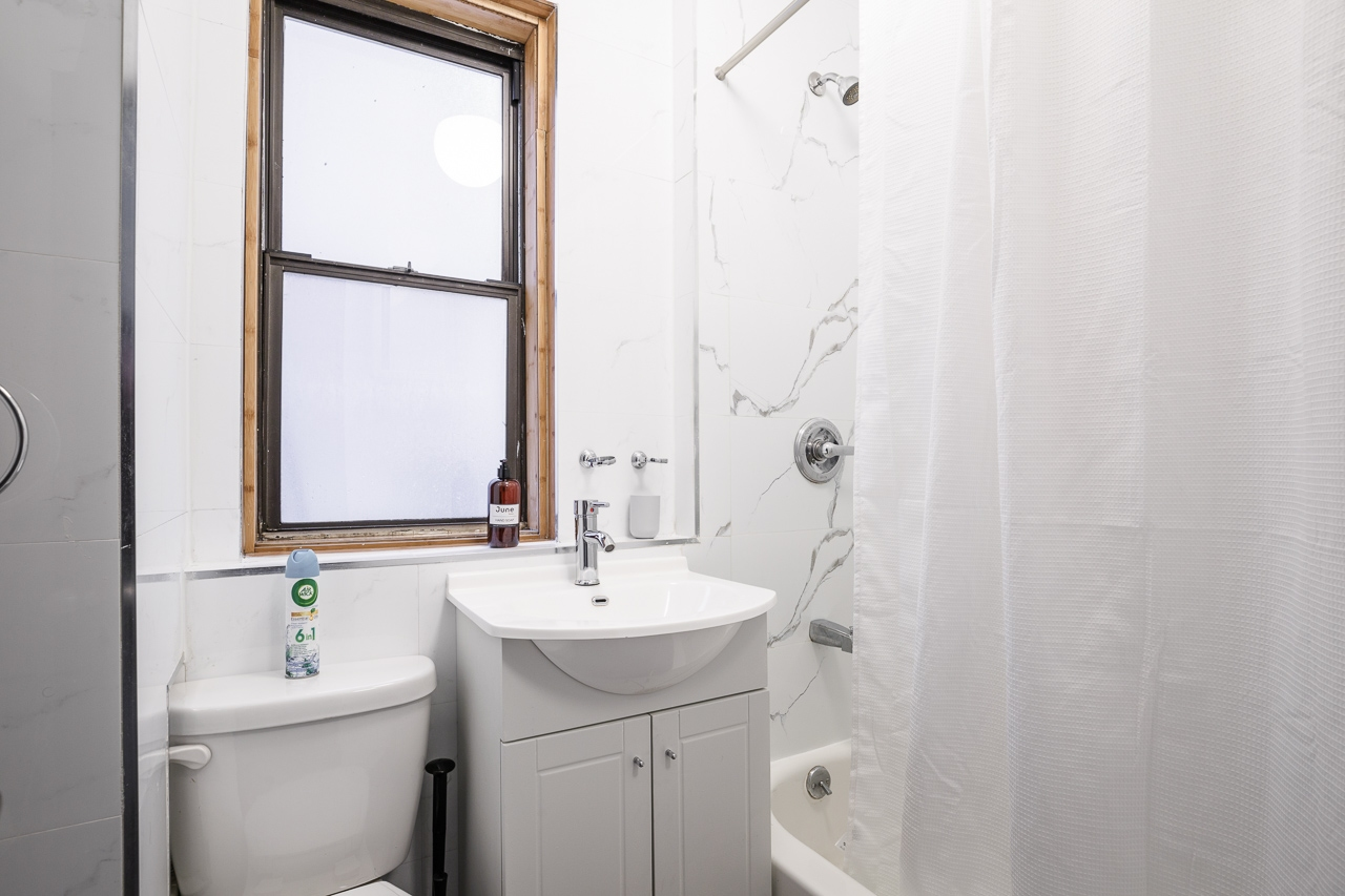 image 9 Furnished room to rent in Midtown-West, Manhattan 3 bedroom Apartment