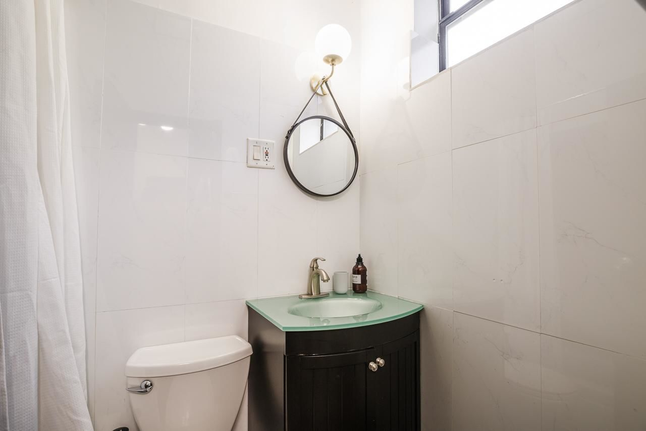 image 10 Furnished room to rent in Midtown-West, Manhattan 3 bedroom Apartment
