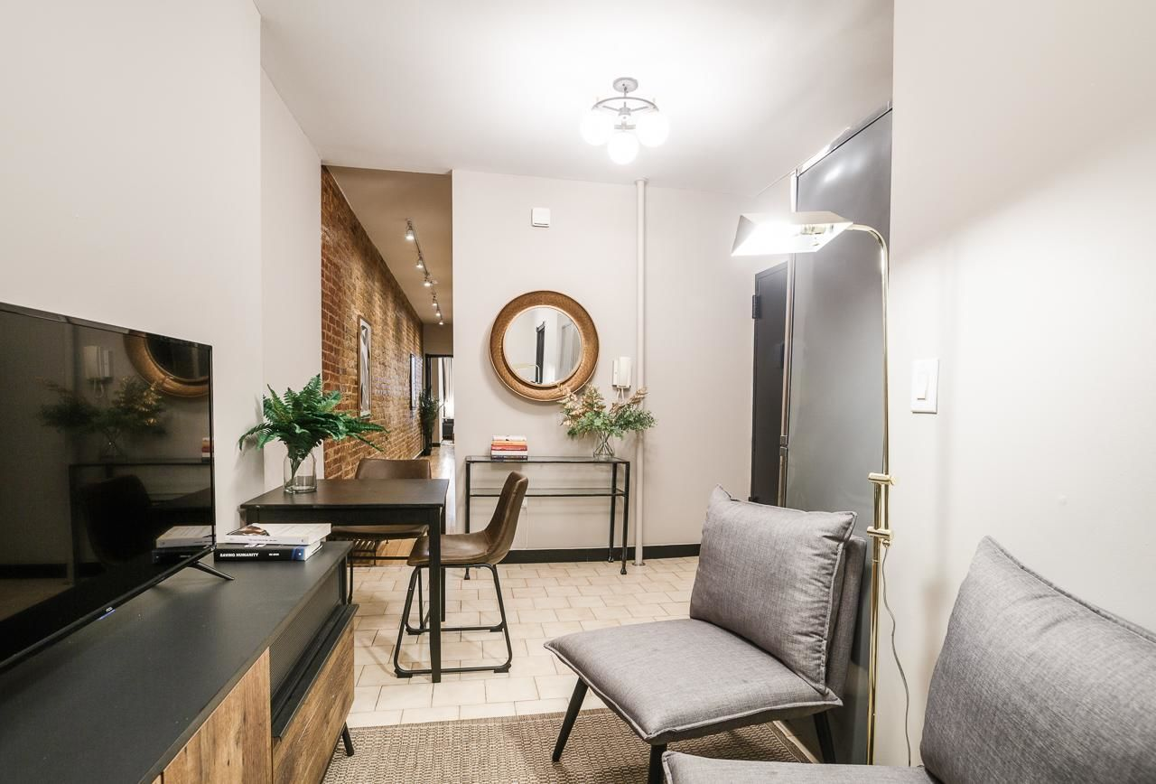image 6 Furnished room to rent in Midtown-West, Manhattan 3 bedroom Apartment