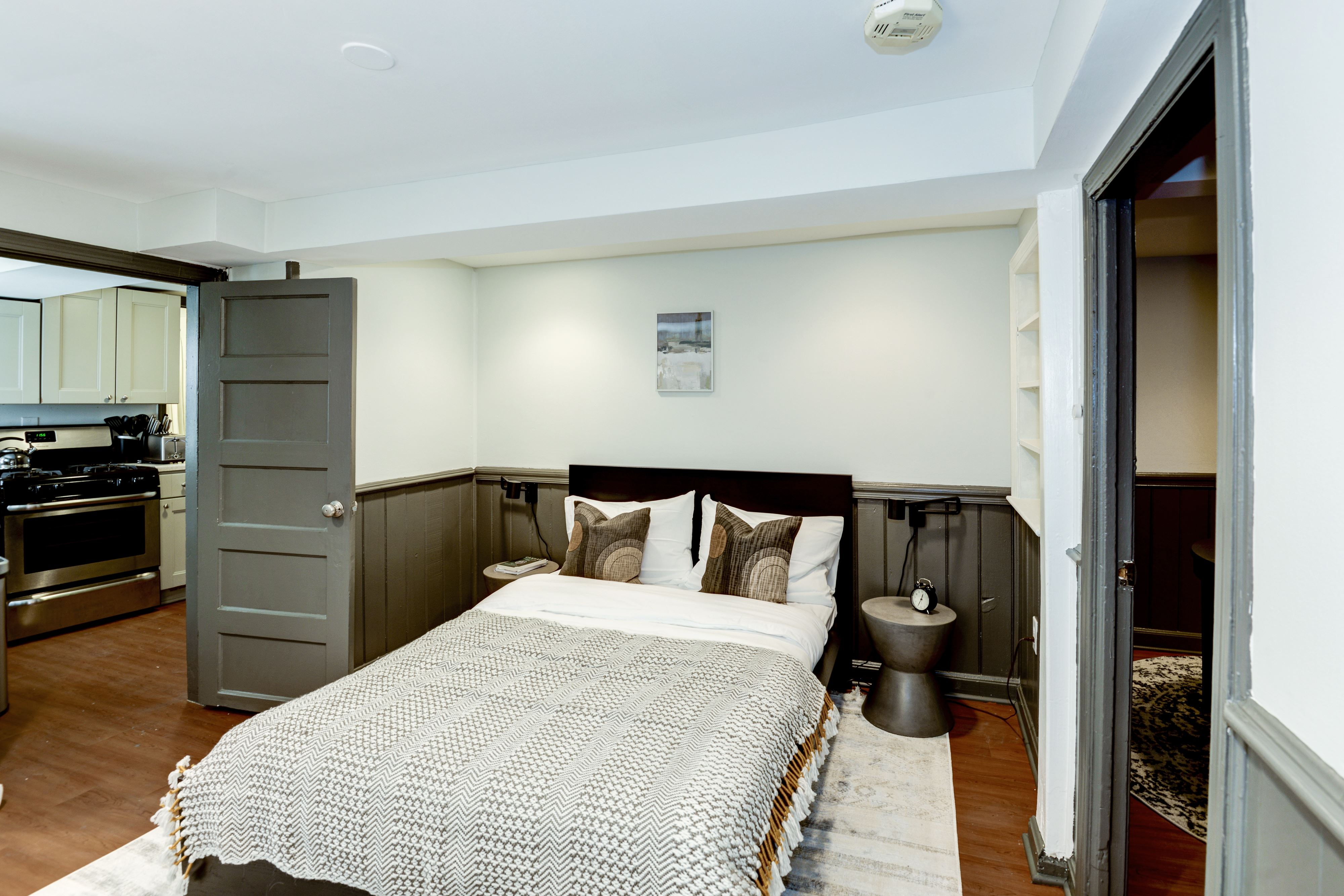 image 2 furnished Studio bedroom Apartment for rent in Capitol Hill, DC Metro