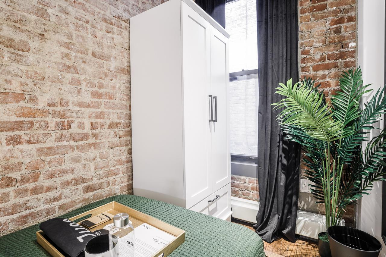 image 2 Furnished room to rent in Upper East Side, Manhattan 4 bedroom Apartment