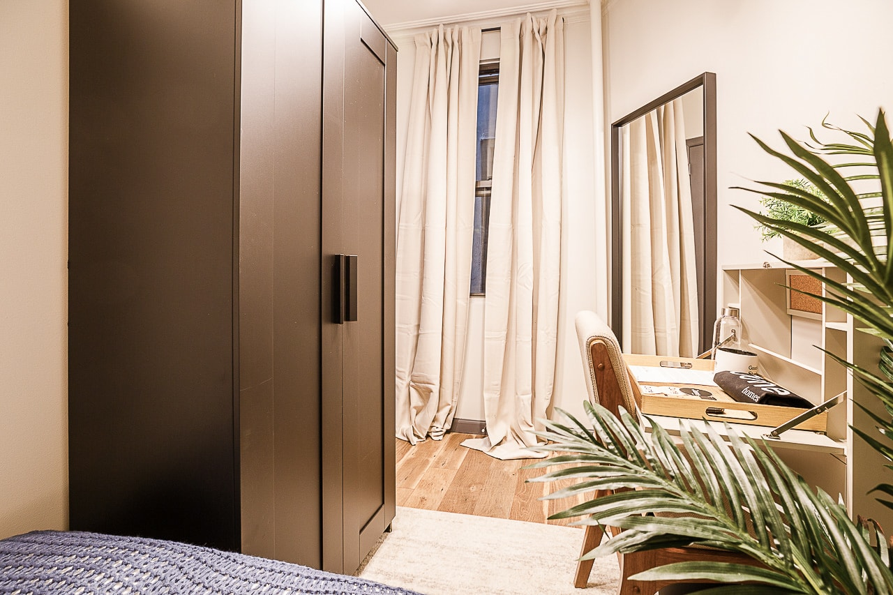 image 2 Furnished room to rent in Midtown-West, Manhattan 3 bedroom Apartment