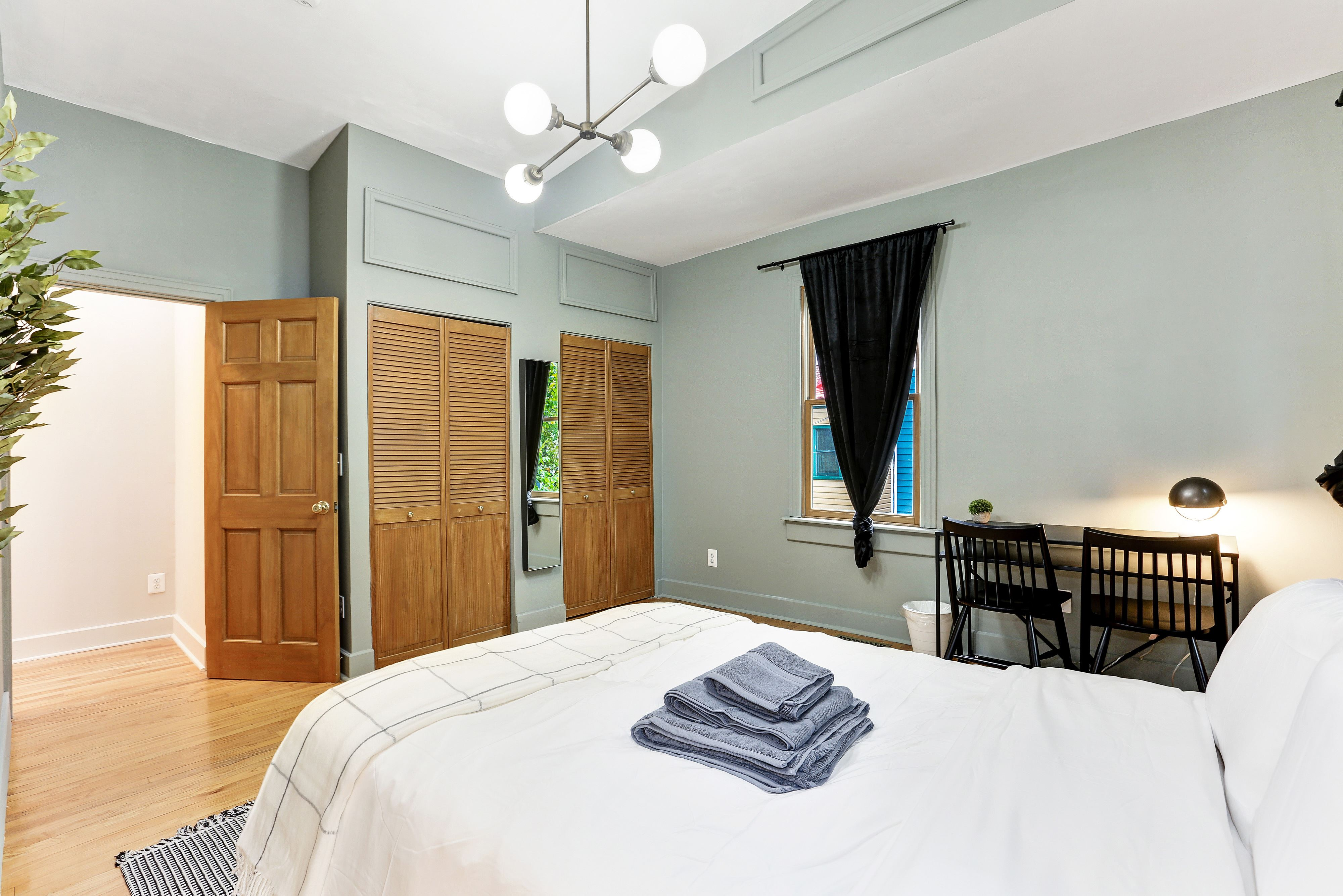 image 2 Furnished room to rent in Capitol Hill, DC Metro 4 bedroom Apartment