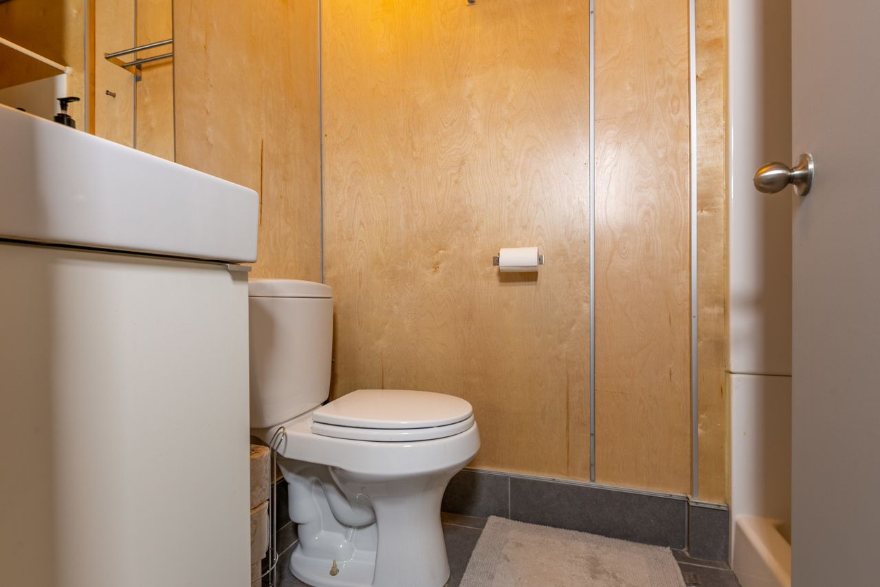 Photo of Full Room 4B w/Private Bathroom (can be furnished and unfurnished) room June Homes