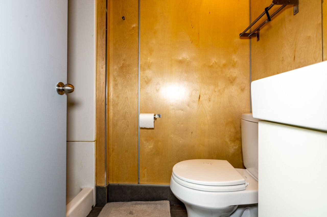 Photo of Full Room 4C w/Private Bathroom (can be furnished and unfurnished) room June Homes