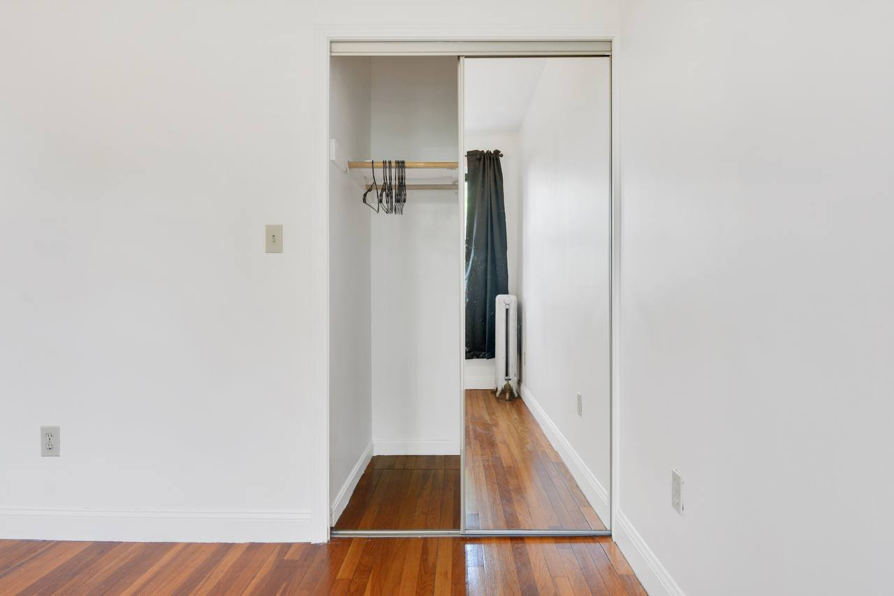 Photo of Full Room 6D (can be furnished or unfurnished) room June Homes