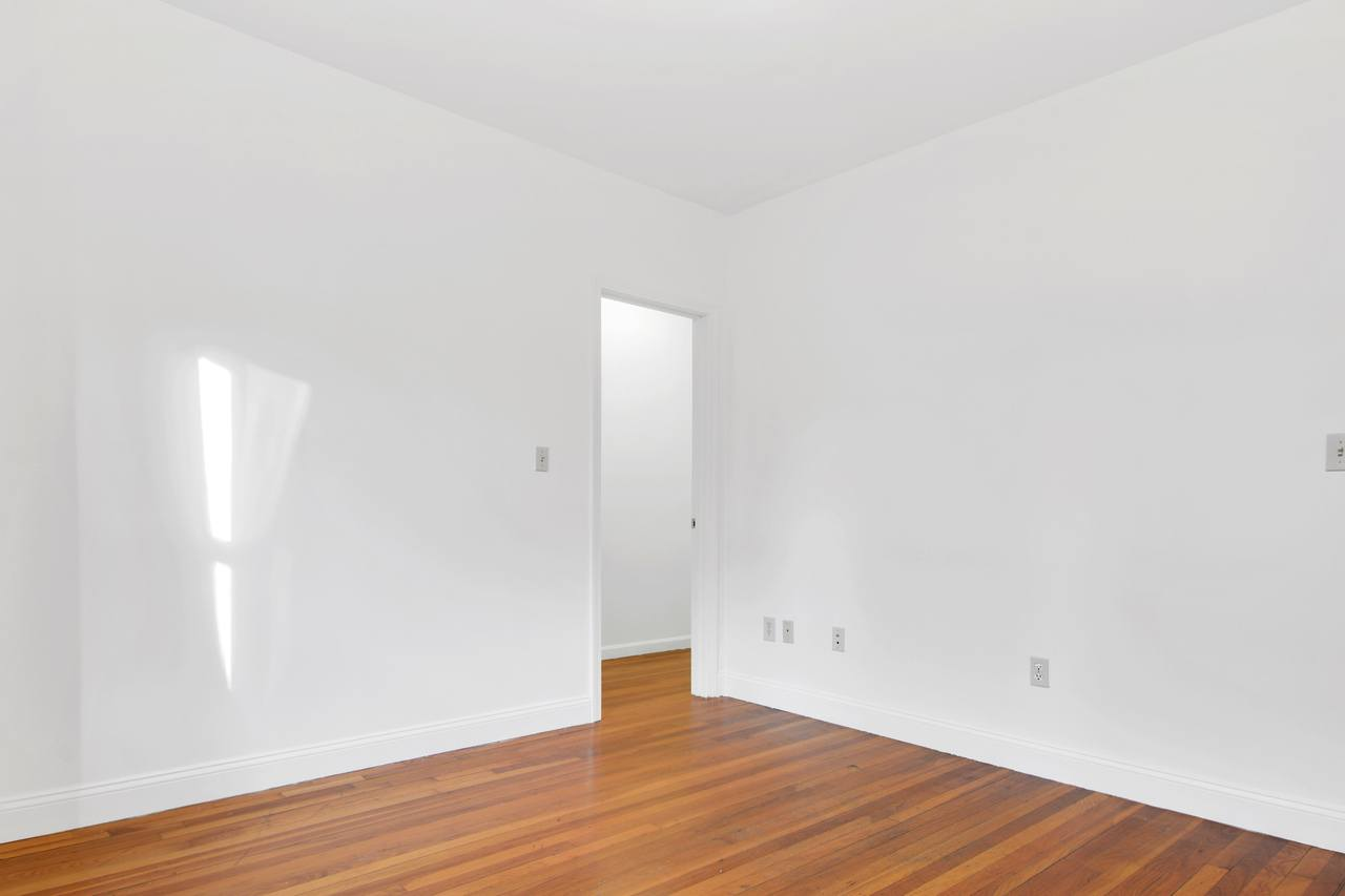 Photo of Full Room 6A (can be furnished or unfurnished) room June Homes