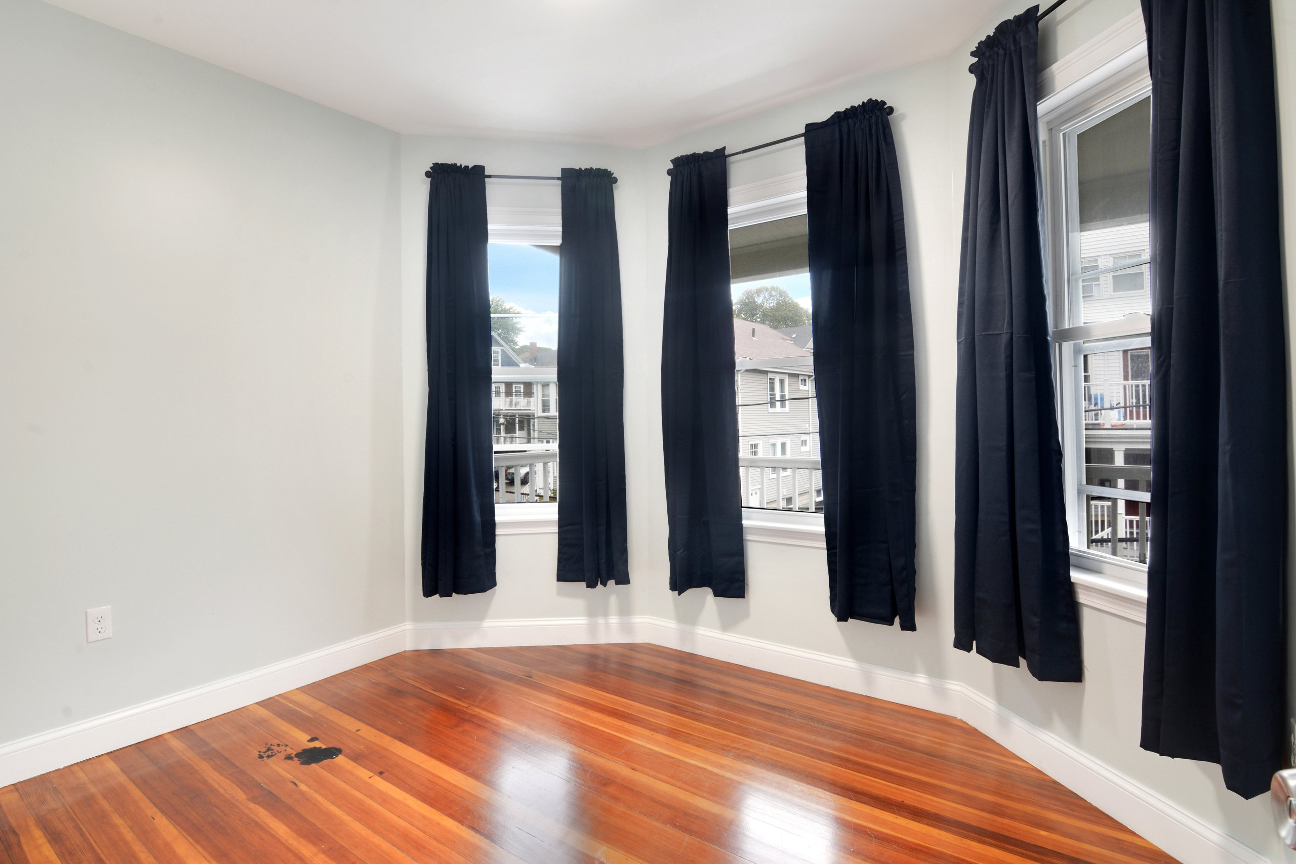 Photo of Queen Room C (can be furnished or unfurnished) room June Homes